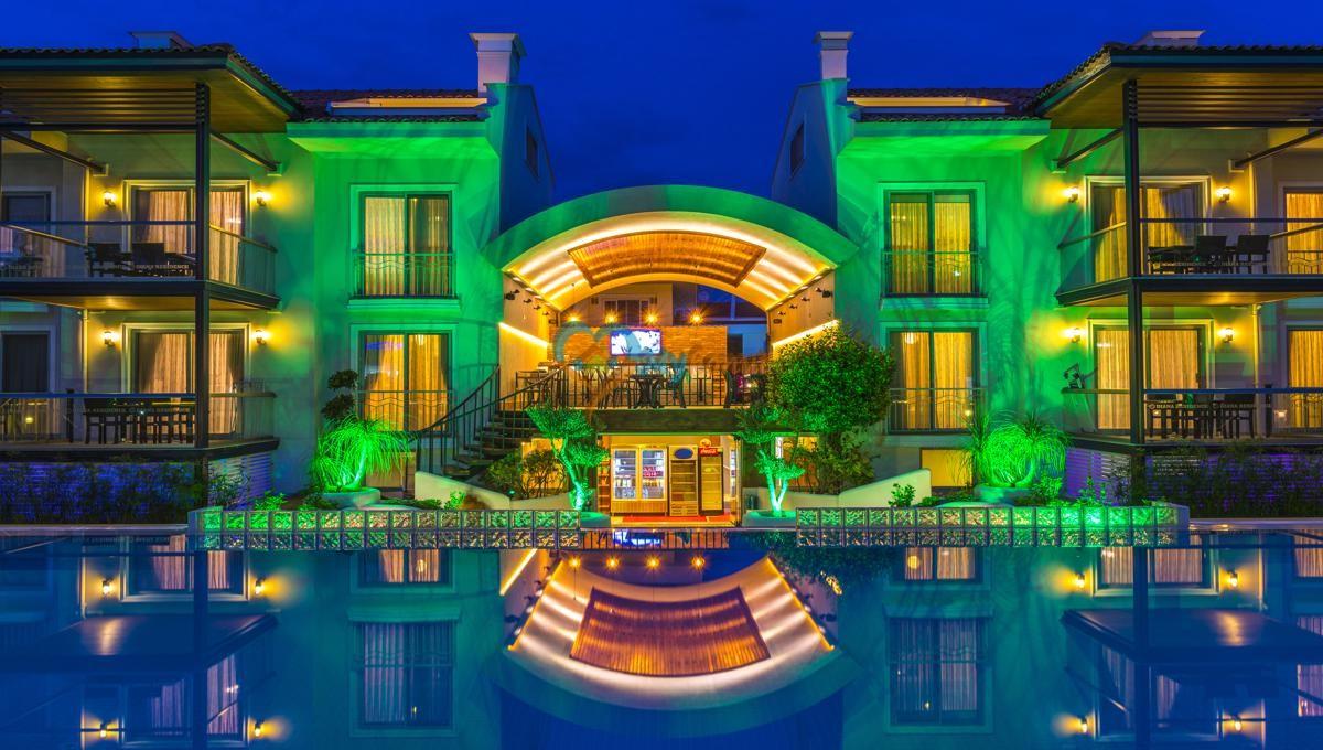FETHİYE'DE SAHİLE ÇOK YAKIN ,SATILIK MÜKEMMEL SUİT HOTEL