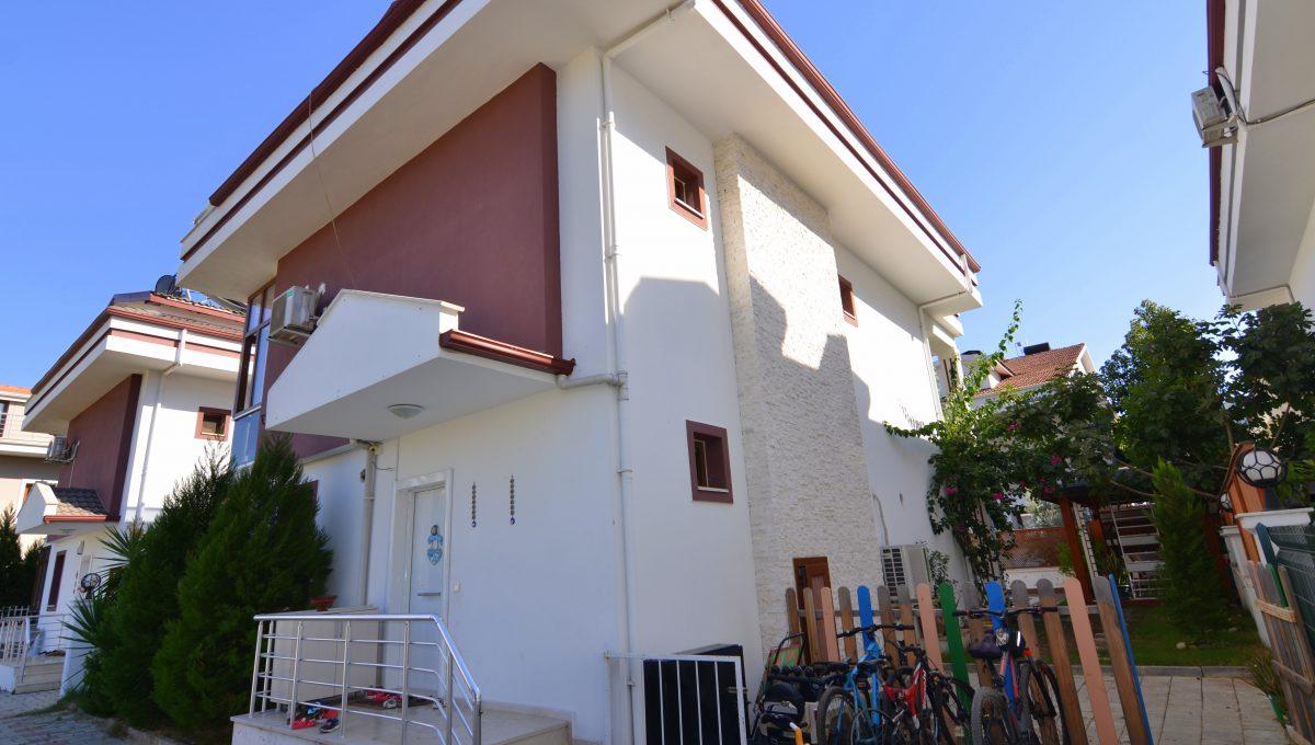 babataşında 5+1 müstakil havuzlu villa (108)