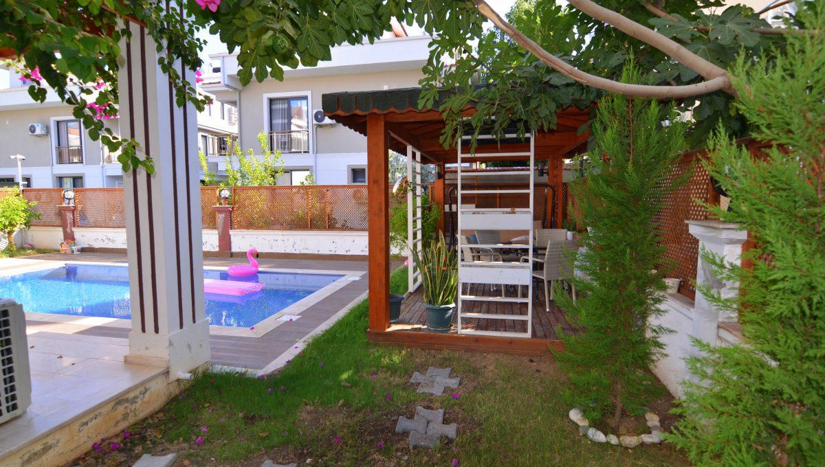 babataşında 5+1 müstakil havuzlu villa (114)