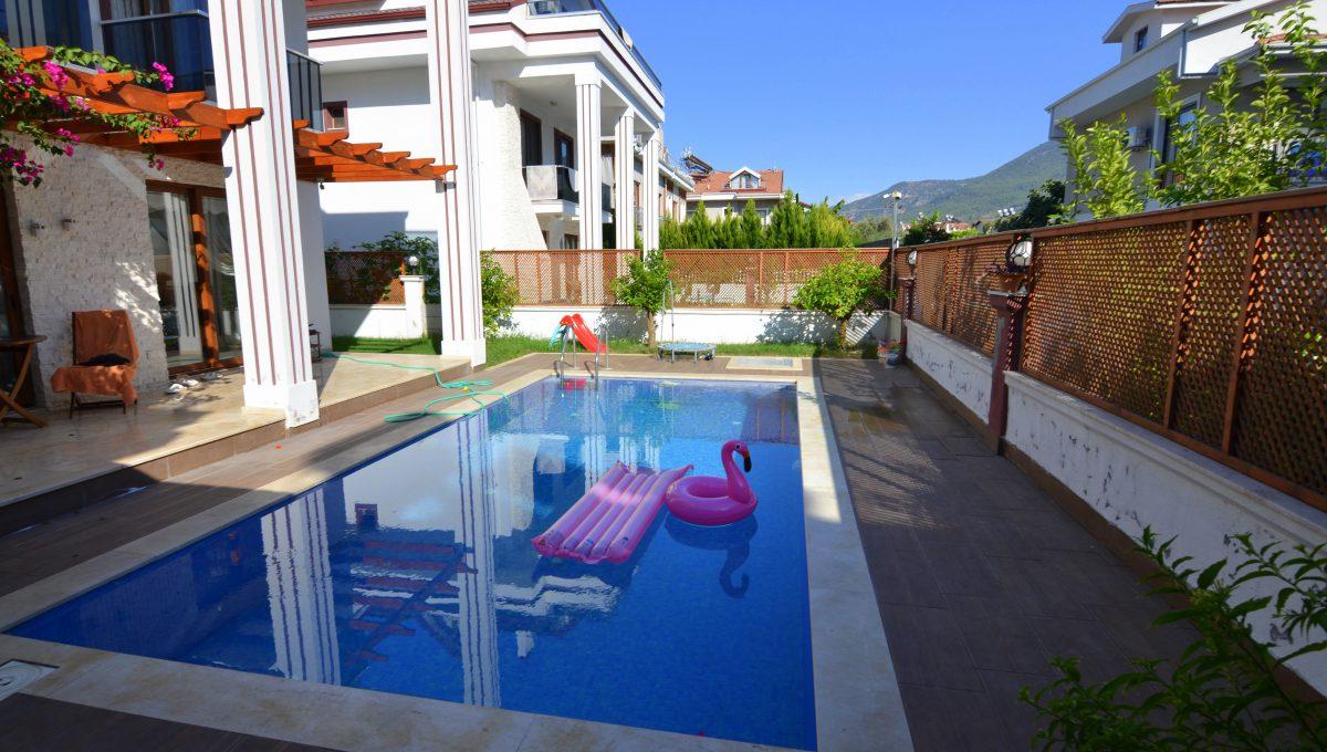 babataşında 5+1 müstakil havuzlu villa (118)