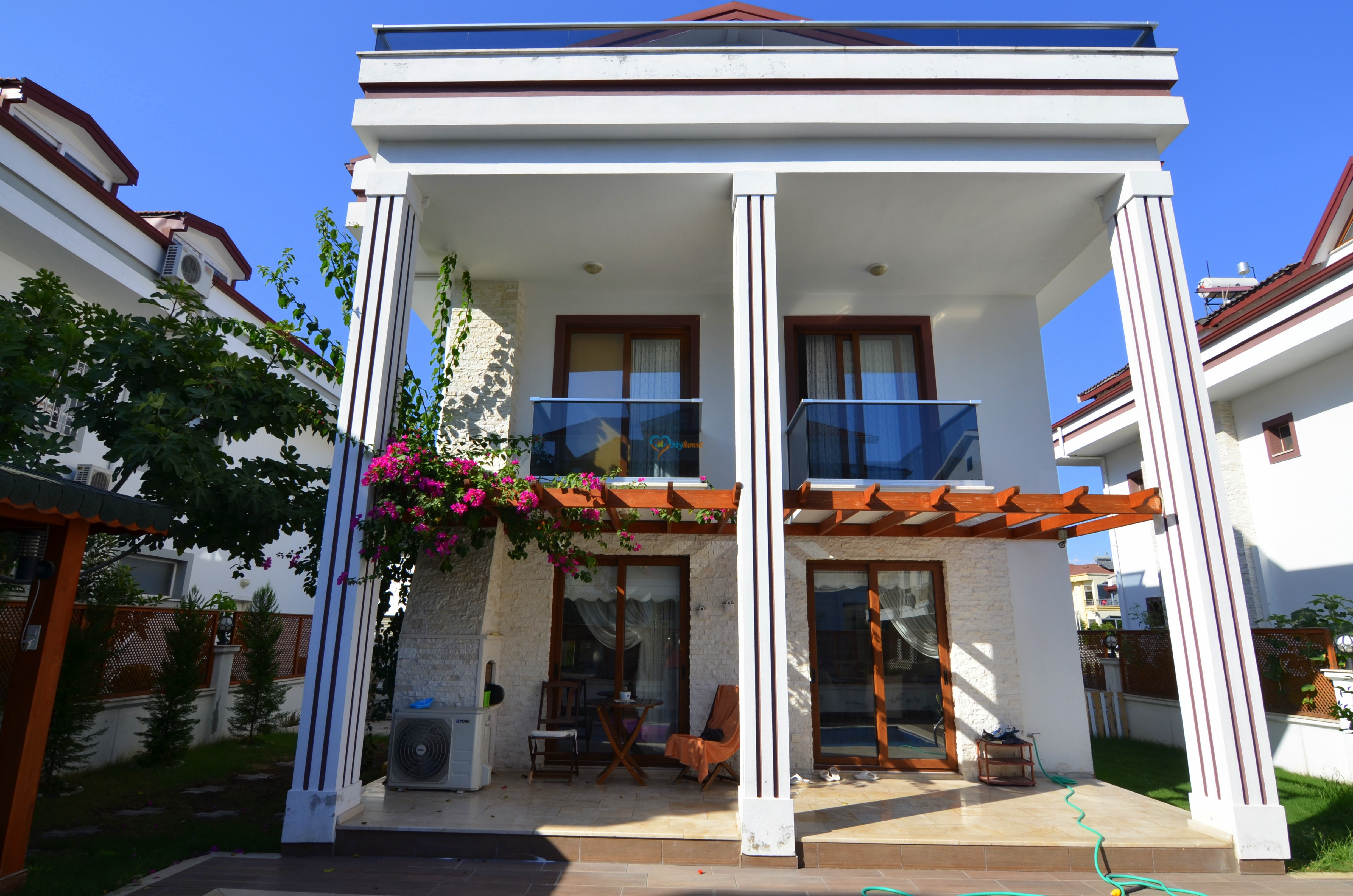Mykonut'tan Babataşı Mh.Satılık 5+1 Denize Yakın Müstakil Villa