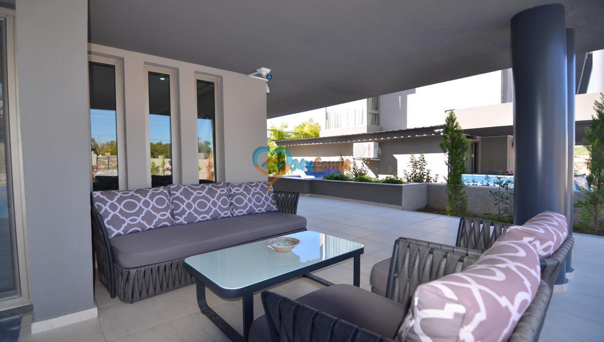 ölüdenizde satılık modern 4+1 villa (12)