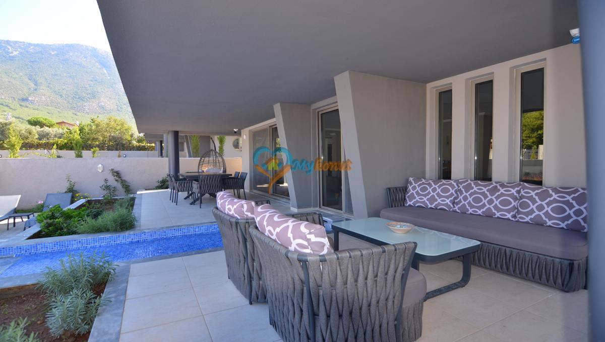 ölüdenizde satılık modern 4+1 villa (13)