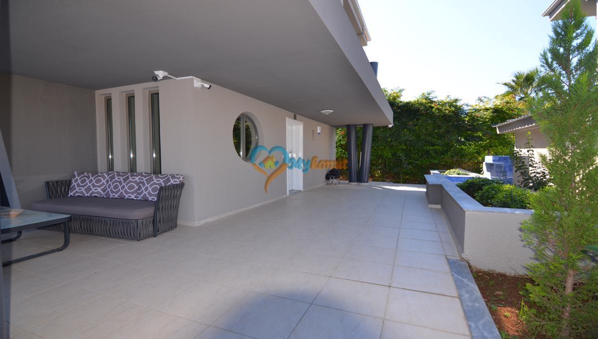 ölüdenizde satılık modern 4+1 villa (14)