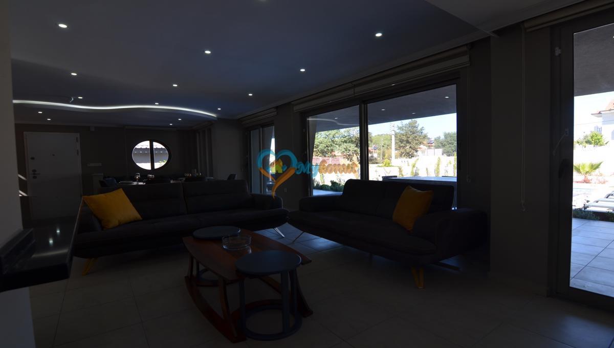 ölüdenizde satılık modern 4+1 villa (24)