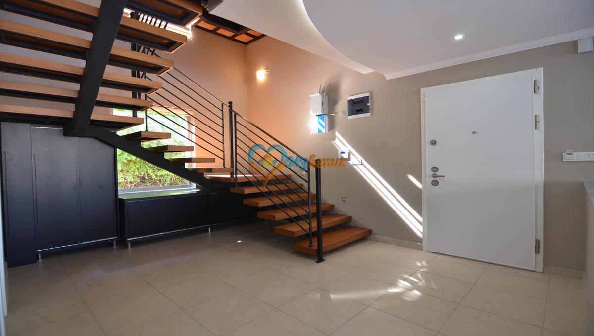 ölüdenizde satılık modern 4+1 villa (25)