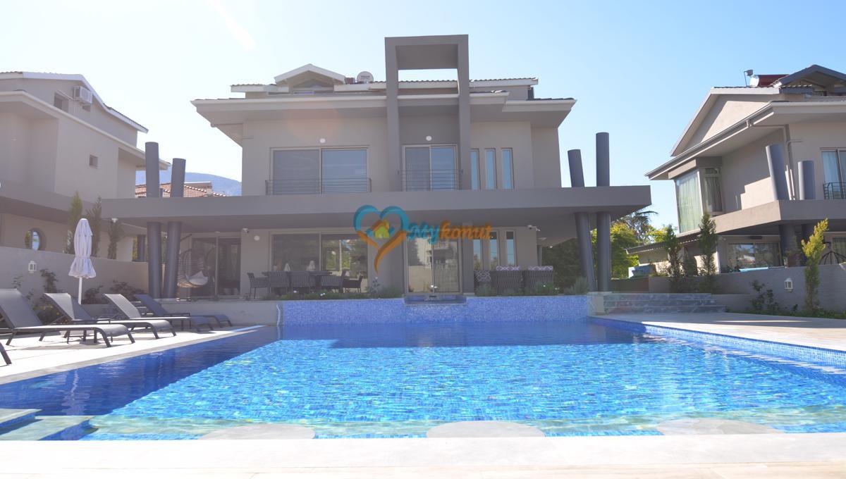 ölüdenizde satılık modern 4+1 villa (7)