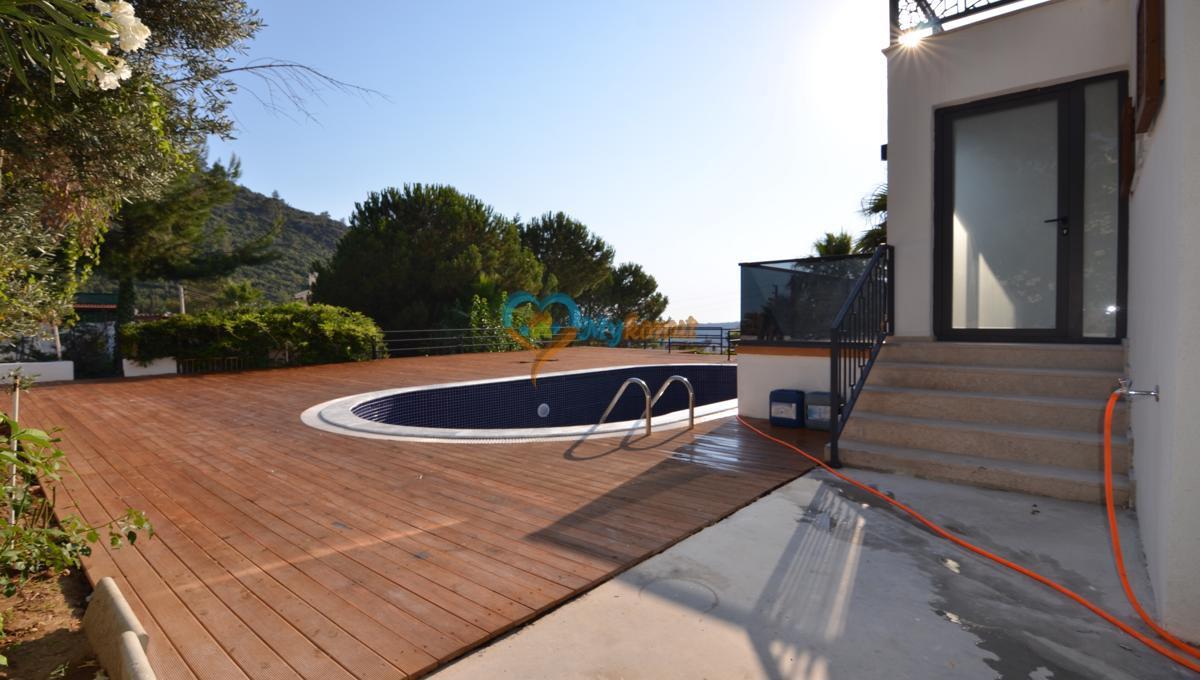 ovacıkta 4+1 kapalı havuzlu villa (55)